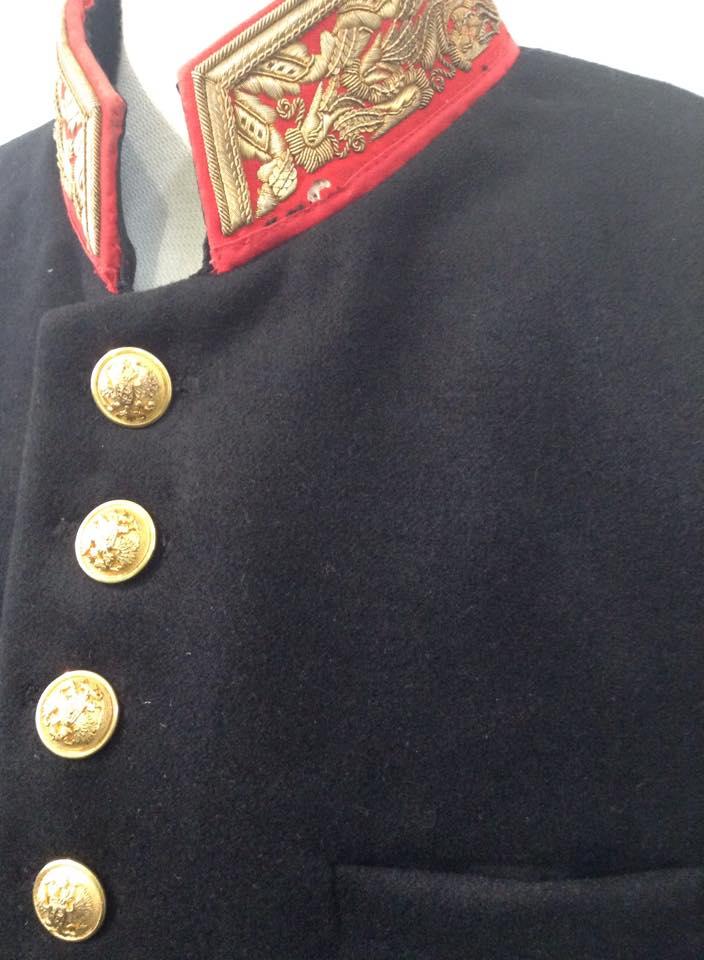 Ateljee ja teettäminen: Historial takki